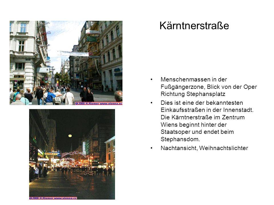 Kärntnerstraße Menschenmassen in der Fußgängerzone, Blick von der Oper Richtung Stephansplatz Dies ist eine der bekanntesten Einkaufsstraßen in der In