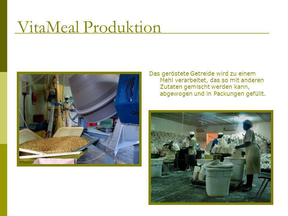 Das geröstete Getreide wird zu einem Mehl verarbeitet, das so mit anderen Zutaten gemischt werden kann, abgewogen und in Packungen gefüllt. VitaMeal P
