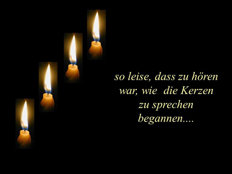 Am Adventskranz brannten vier Kerzen...