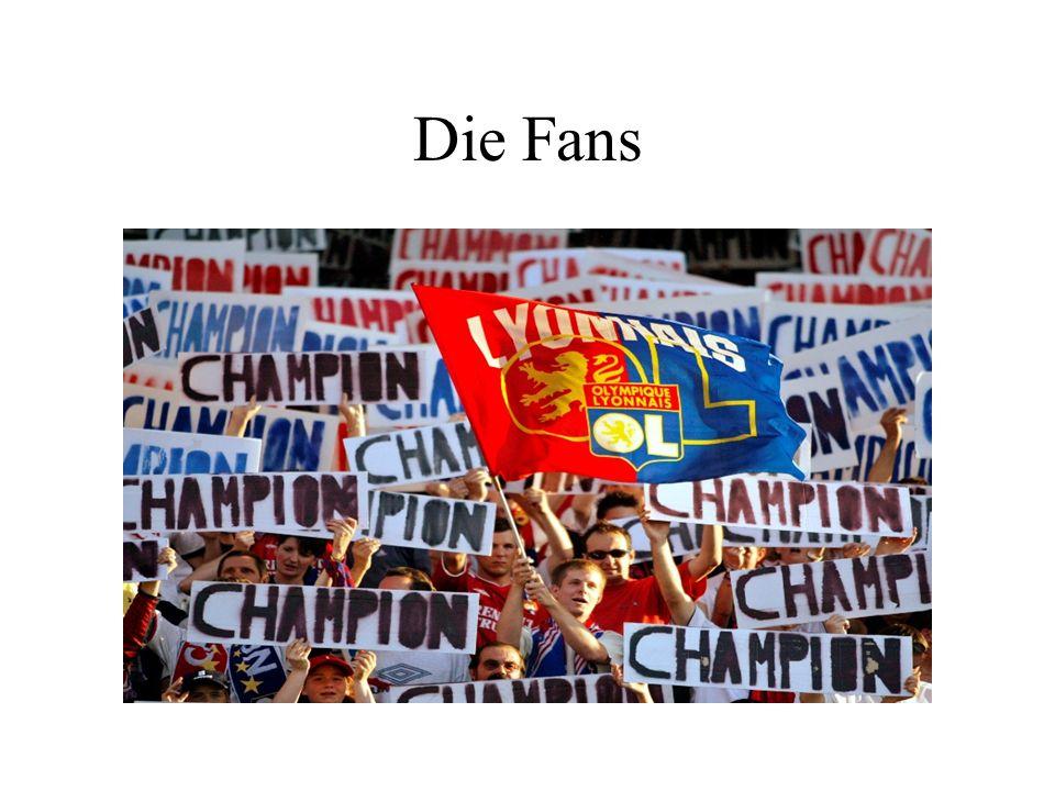 OL : 12 Fans Gruppe.