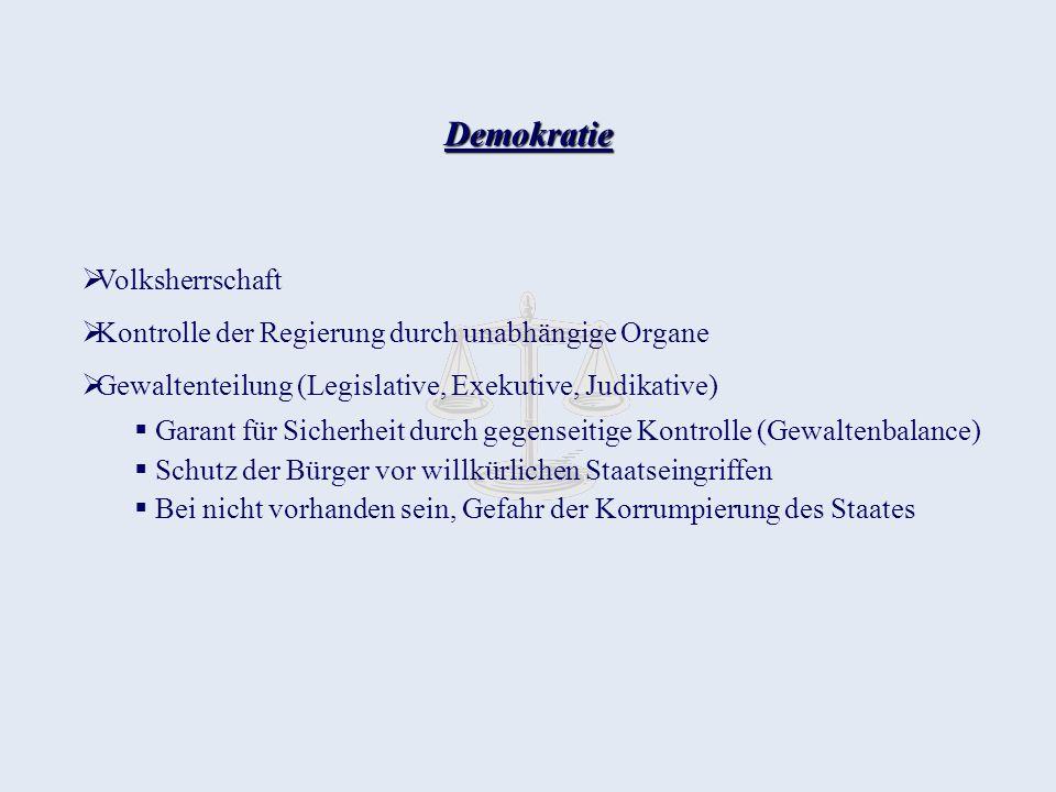 Justiz im DDR - Staat Vertreter der Marxistischen Rechtsvorstellung Herrschaftsmittel der dominierenden Klasse Das sozialistische Recht der DDR dient deshalb der Herrschaft der Arbeiterklasse, bzw.