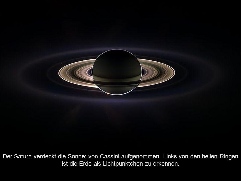 Darstellung des Rings entlang der Bahn des Mondes Phoebe