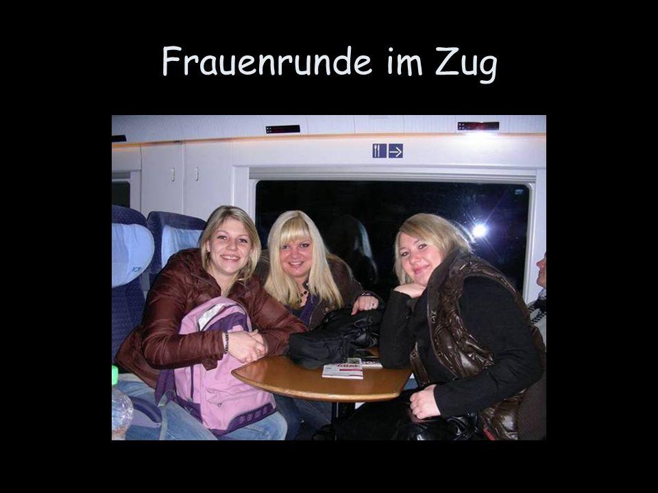Frauenrunde im Zug