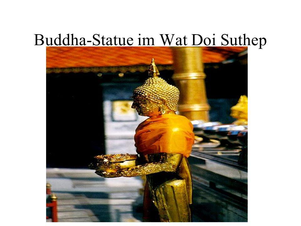 Buddha-Statue im Wat Doi Suthep