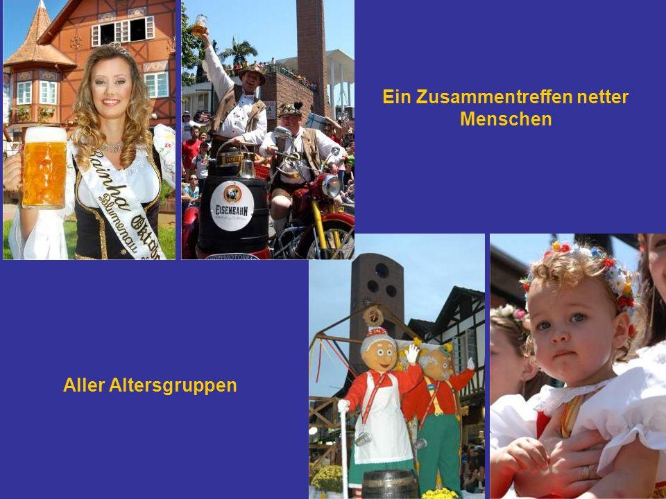 Zum Oktoberfest ziehen etwa 2000 Leute um und etwa 20.000 schauen den Umzug an Oktoberfest Blumenau-SC