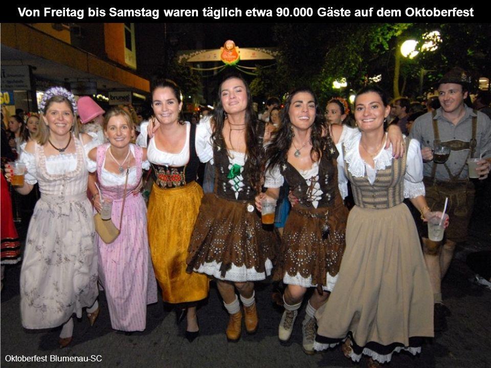In den letzten 25 Jahren hatte das Oktoberfest in Blumenau mehr als 16 Millionen Besucher. Vom 01. - 18.10. 2009 erwartet man wieder 700.000 Besucher