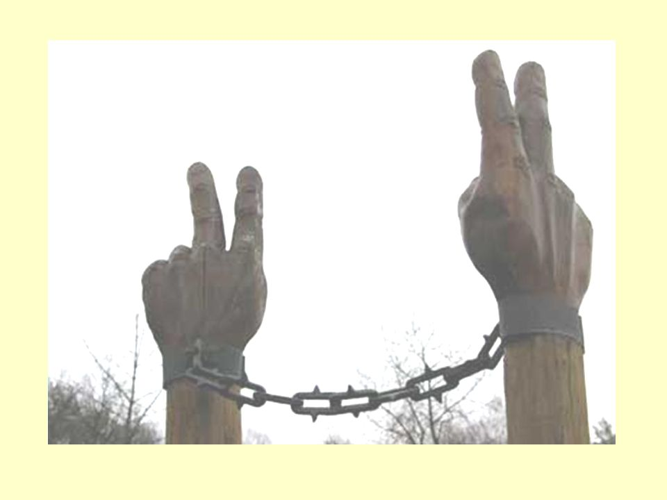 Während der Aktion fassten sich an den Händen tausende Litauer, Letter, Estländer.