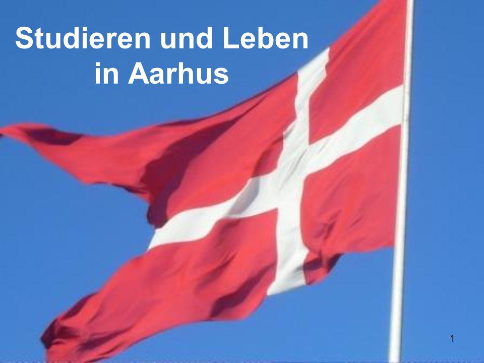 2 Aarhus Zweitgrößte Stadt Dänemarks (266.000 Einwohner) Auf dem Festland Dänemarks (Jütland) gelegen mit Zugang zur Ostsee Viele Sehenswürdigkeiten wie bspw.