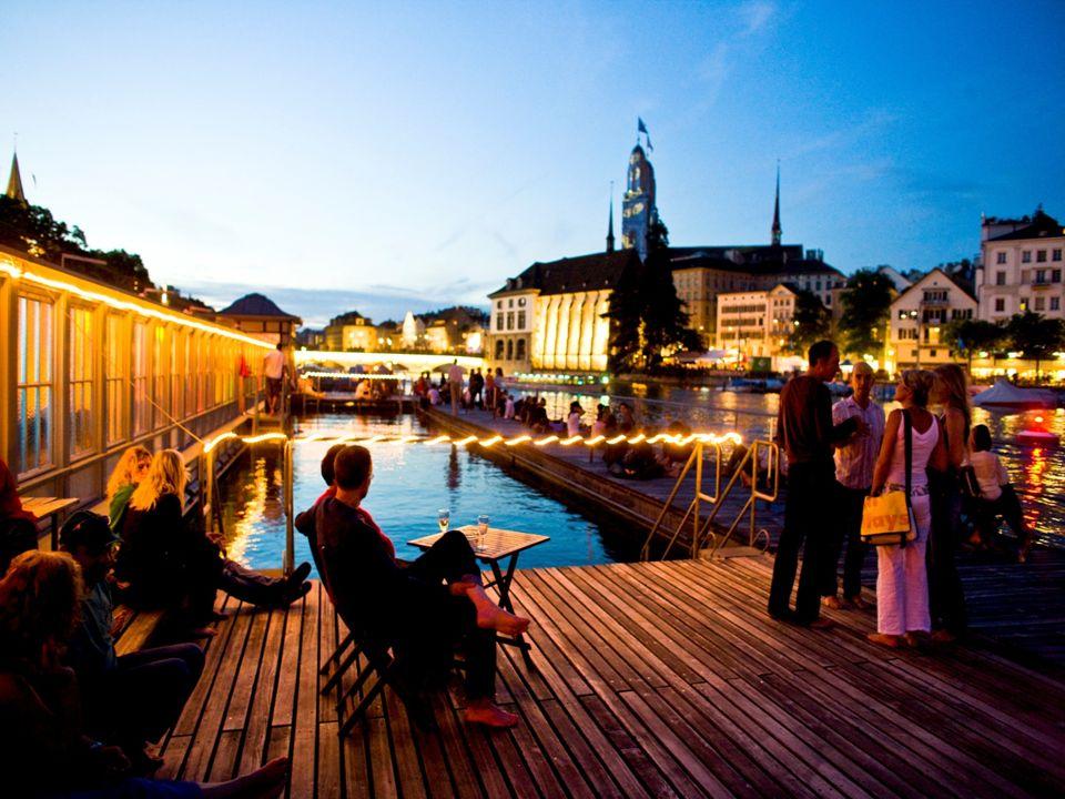 Zürich – lebendig Pulsierendstes Nachtleben und höchste Clubdichte der Schweiz Zürich West: Vom Industrie- zum Trendquartier Zahlreiche Veranstaltungen, Openair Kino-, Konzerte-, Events