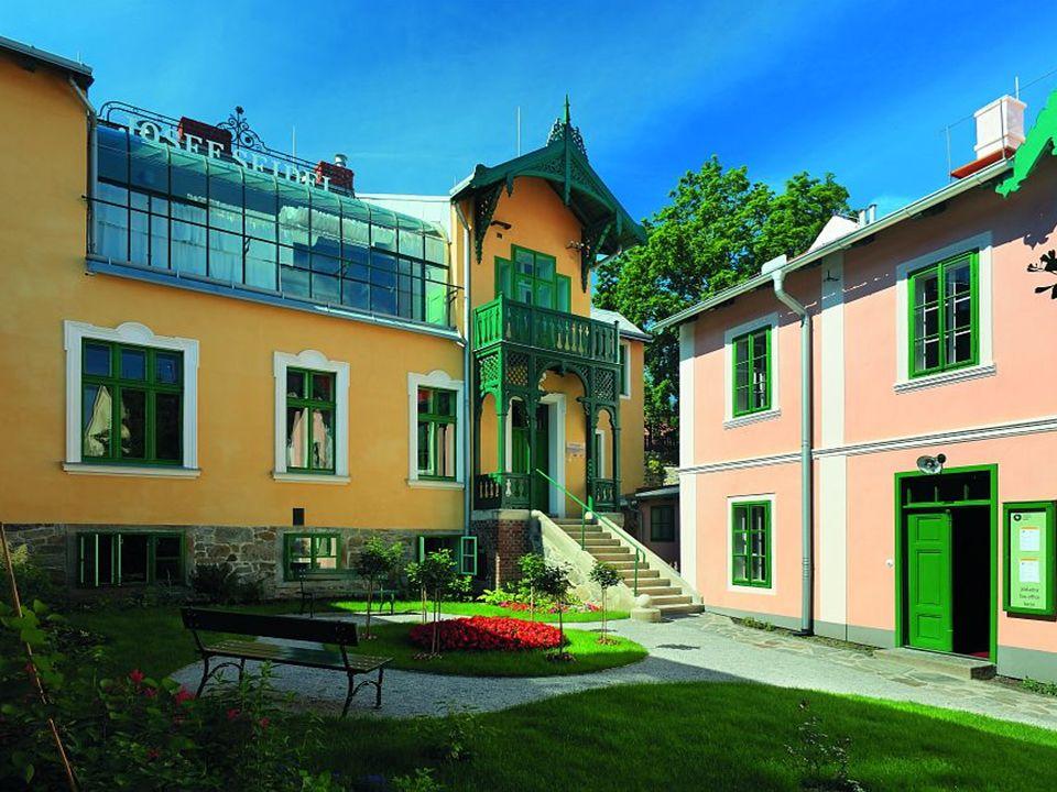 Revitalisierung von Klosterareal 2010 - 2014 Ehemalige Kloster fast 1/3 der Altstadt Klostergarten die grüne Oase der Welterbe 323 Mill.