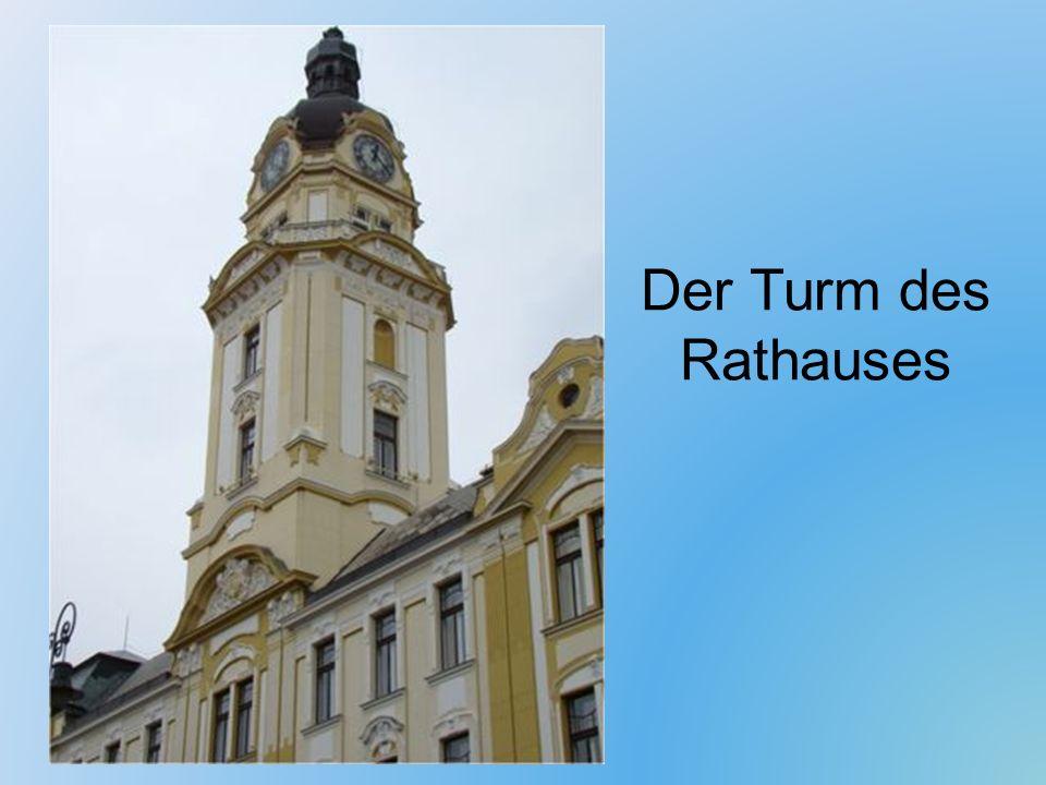 Der Turm des Rathauses