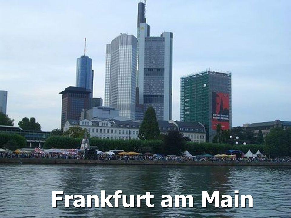 Frankfurt am Main ist mit etwa 672.000 Einwohnern die größte Stadt Hessens und nach Berlin, Hamburg, München und Köln die fünftgrößte Deutschlands.