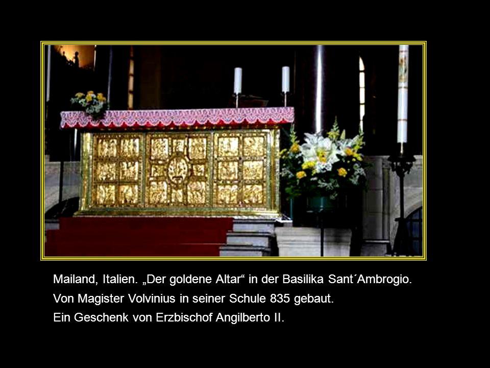 Insignia of the herald of the Order of the Golden Fleece Goldenes Flies