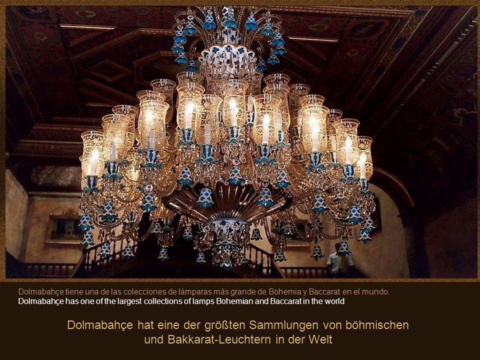 8 En este Salón de Ceremonias, se encuentra la lámpara de Cristal de Bohemia mas grande del mundo. Pesa 4.5 toneladas y tiene 750 luces. Obsequio de l