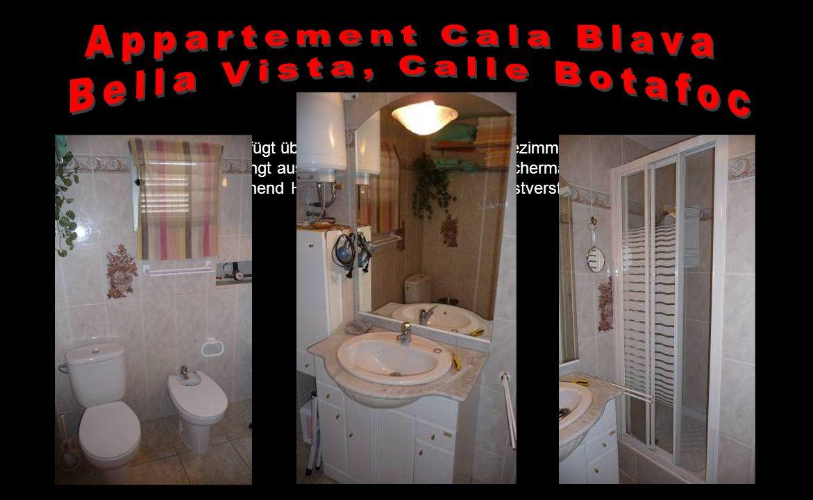 Vom Wohn-/Essbereich gelangen Sie durch einen kleinen Übergang zu den zwei getrennten Schlafzimmern und zum Bad. Die Schlafzimmer verfügen über je ein