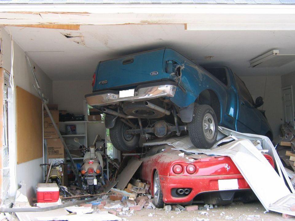 Da du erst sagen musst, ob dein Wagen wieder repariert werden soll, habe ich ihn in die Garage bringen lassen und abgemeldet. Für mich habe ich einen