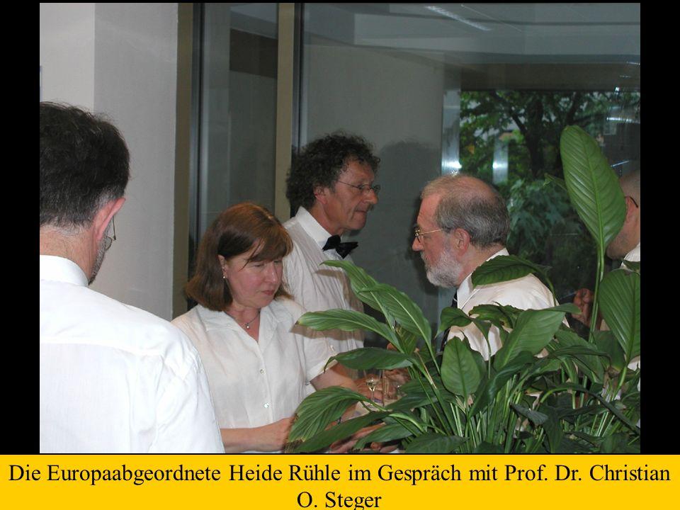 Die Europaabgeordnete Heide Rühle im Gespräch mit Prof. Dr. Christian O. Steger