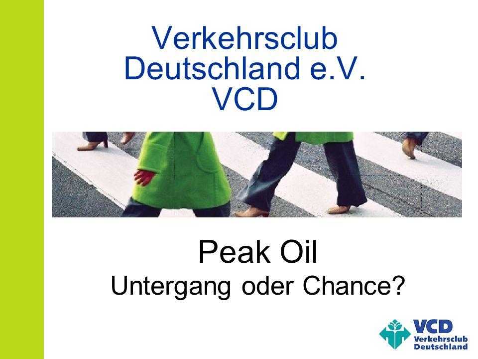 Peak Oil- Bernd Sluka, VCD – 2011-07-23 Maximum der Förderung von Erdöl eines Ölfelds einer Förderregion der ganzen Erde etwa ½ der Ressourcen noch vorhanden Produktion trennt sich von der Nachfrage Was ist (der) Peak Oil?