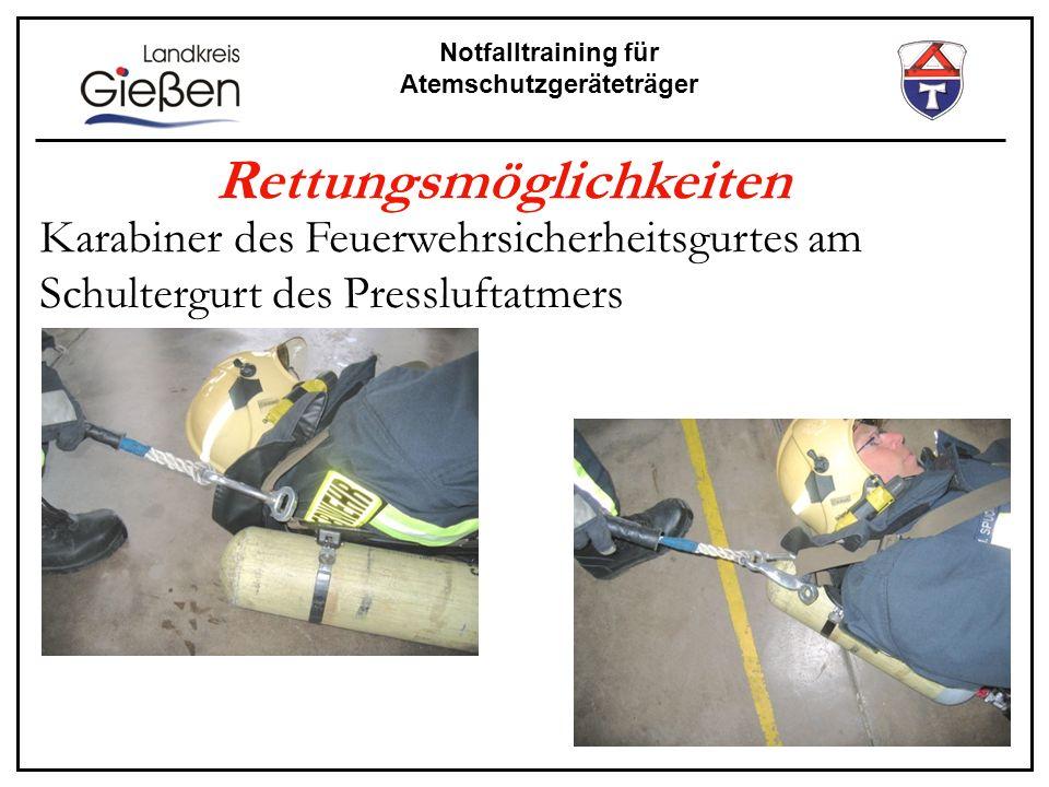 Notfalltraining für Atemschutzgeräteträger Rettungsmöglichkeiten Karabiner des Feuerwehrsicherheitsgurtes am Schultergurt des Pressluftatmers