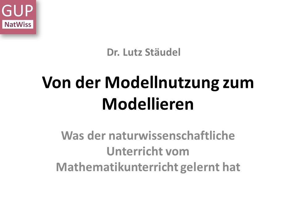 -> Experiment und Modellierung Erkenntnisgewinnung Jedem Experiment geht eine Modellierung voraus Noch einmal Bildungsstandards: geeignete Modell(ierungen) nutzen um naturwissenschaftliche Fragestellungen zu bearbeiten, gewonnene Erkenntnisse mit bereits geläufigen Konzepten, Modellen und Theorien zu verknüpfen, Ergebnisse vor dem Hintergrund … der zugrunde gelegten Modellvorstellung zu prüfen.