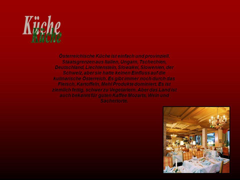 Österreichische Küche ist einfach und provinziell. Staatsgrenzen aus Italien, Ungarn, Tschechien, Deutschland, Liechtenstein, Slowakei, Slowenien, der