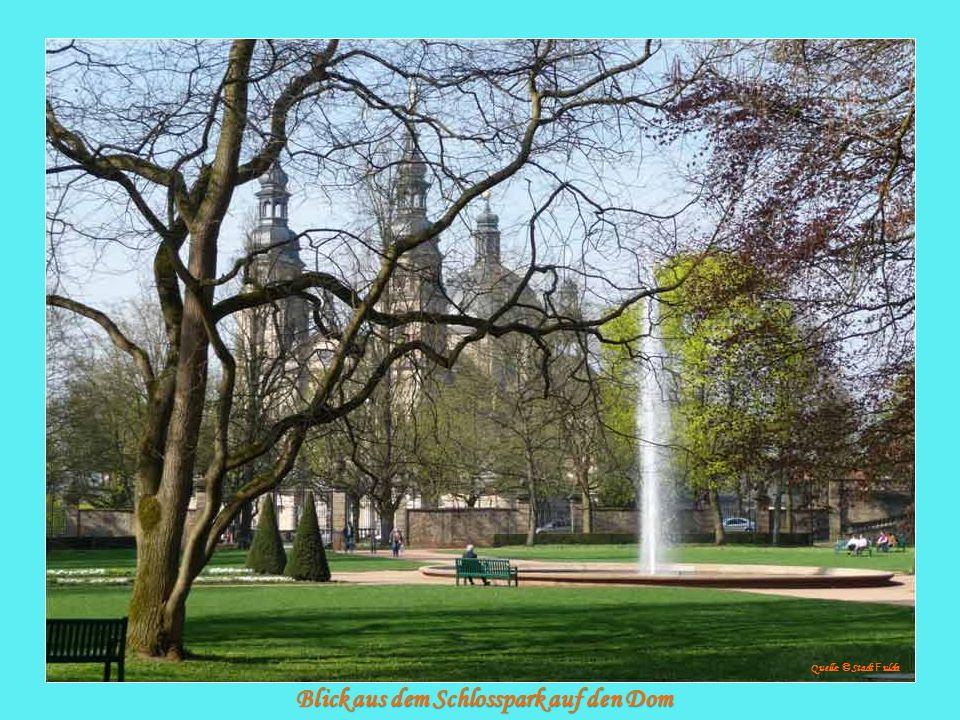 Blick aus dem Schlosspark auf den Dom Quelle: © Stadt F ulda