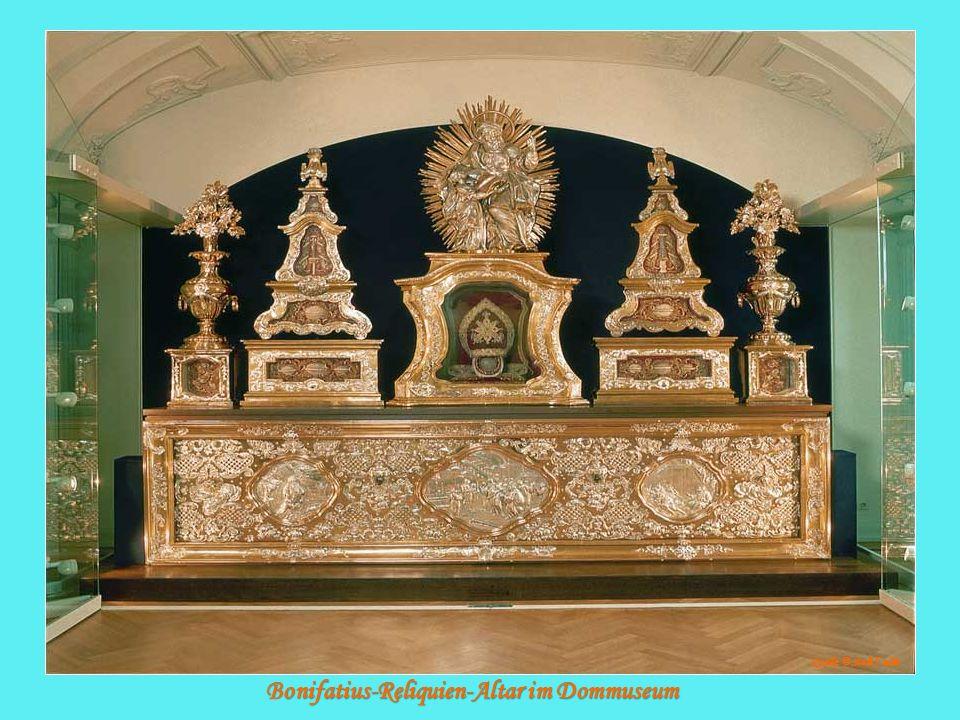 Bonifatius-Reliquien-Altar im Dommuseum Quelle: © Stadt F ulda