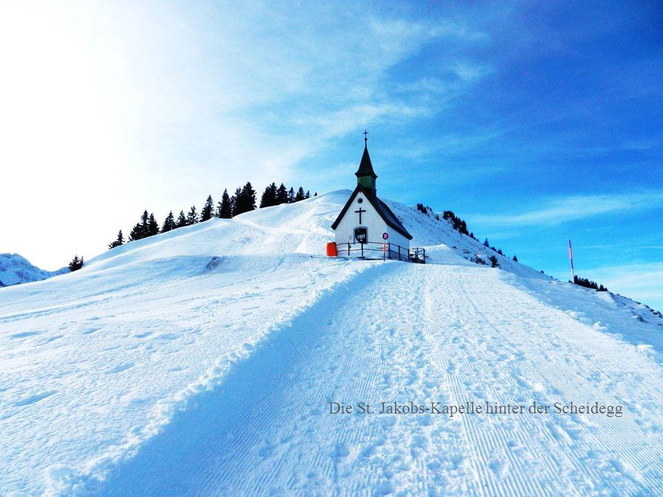 Die St. Jakobs-Kapelle hinter der Scheidegg