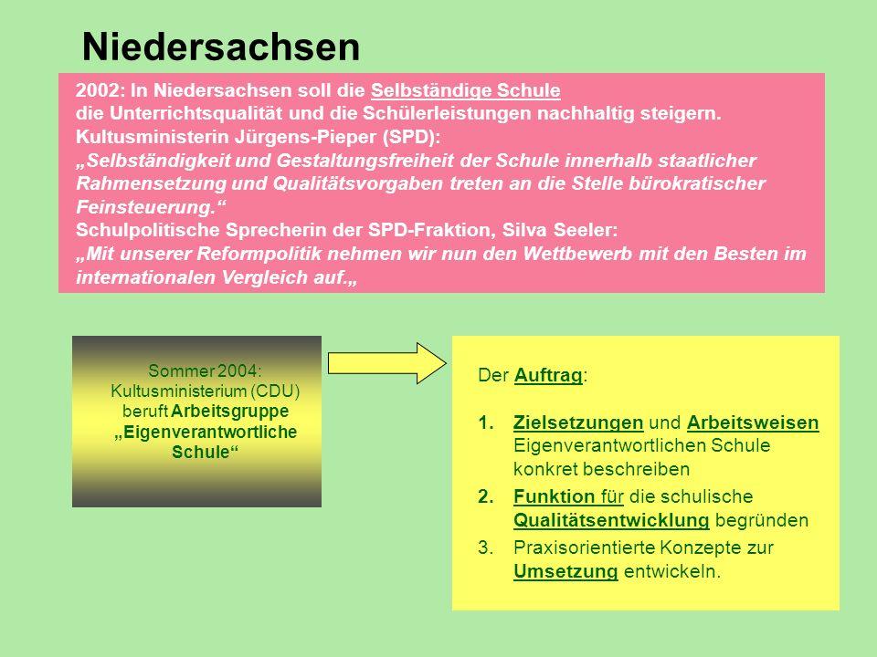 2002: In Niedersachsen soll die Selbständige Schule die Unterrichtsqualität und die Schülerleistungen nachhaltig steigern. Kultusministerin Jürgens-Pi