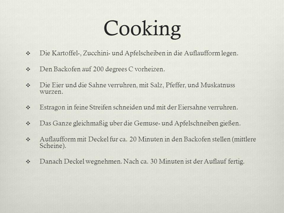 Cooking Die Kartoffel-, Zucchini- und Apfelscheiben in die Auflaufform legen. Den Backofen auf 200 degrees C vorheizen. Die Eier und die Sahne verruhr