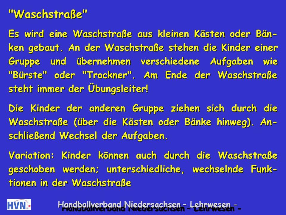 Handballverband Niedersachsen – Lehrwesen - Bierdeckel auflegen Ein Kind liegt entspannt auf einer Turnmatte.