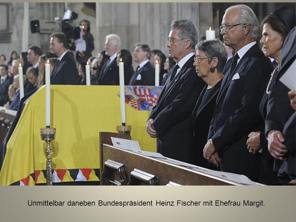 Hinter dem schwedischen Königspaar hat Bundeskanzler Werner Faymann Platz genommen.