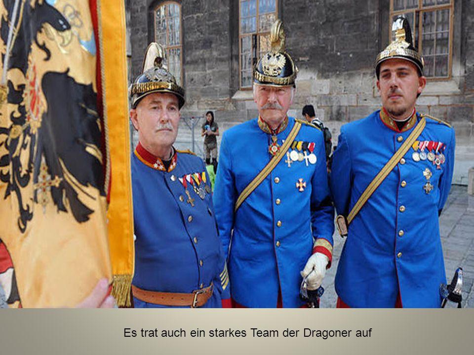 Letztes Geleit für Otto Habsburg Zehntausende Menschen fanden sich in Wien zu den Trauerfeierlichkeiten für den verstorbenen Kaisersohn ein.