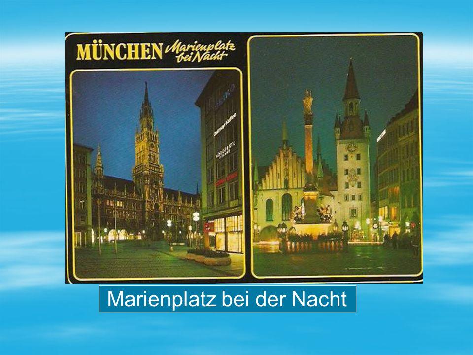 Marienplatz bei der Nacht