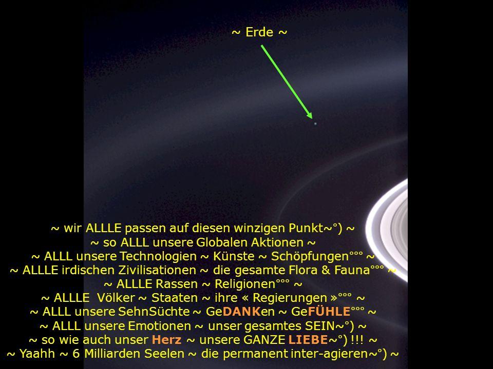 ~ betrachte dieses Foto ~ ~ es wurde von der Sonde Cassini-HuYgens aufgenommen während sie sich den SaturnRingen näherte~°) ~