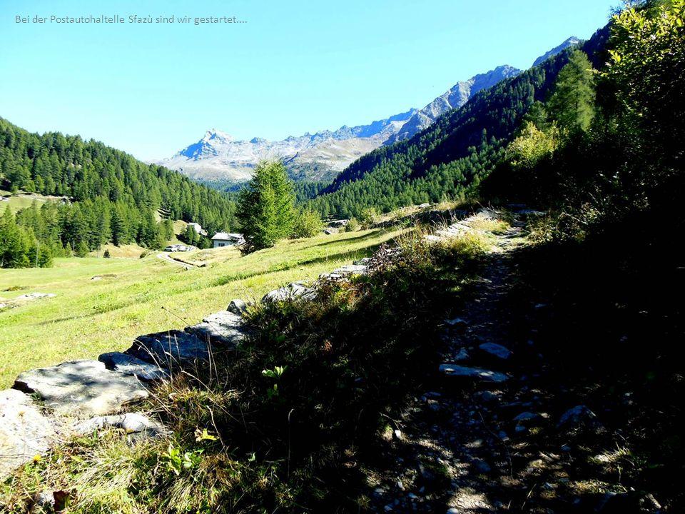 Weiter oben ist der grössere Lagh da Val Viola wunderschön in die Landschaft eingebettet