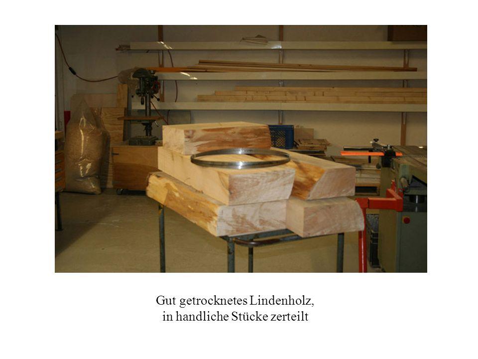 Gut getrocknetes Lindenholz, in handliche Stücke zerteilt