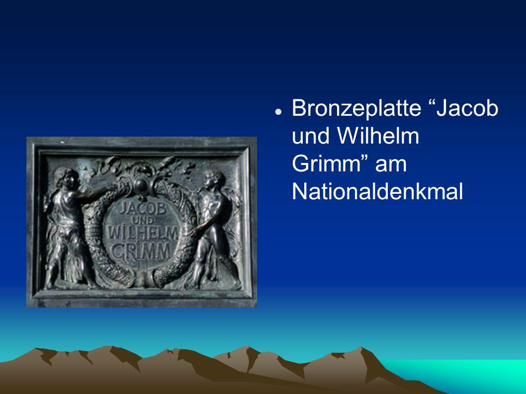 Bronzeplatte Jacob und Wilhelm Grimm am Nationaldenkmal
