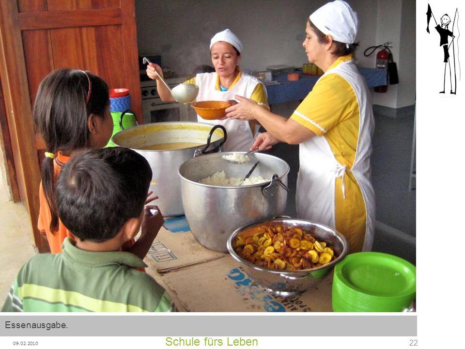 Schule fürs Leben 09.02.2010 22 Essenausgabe.