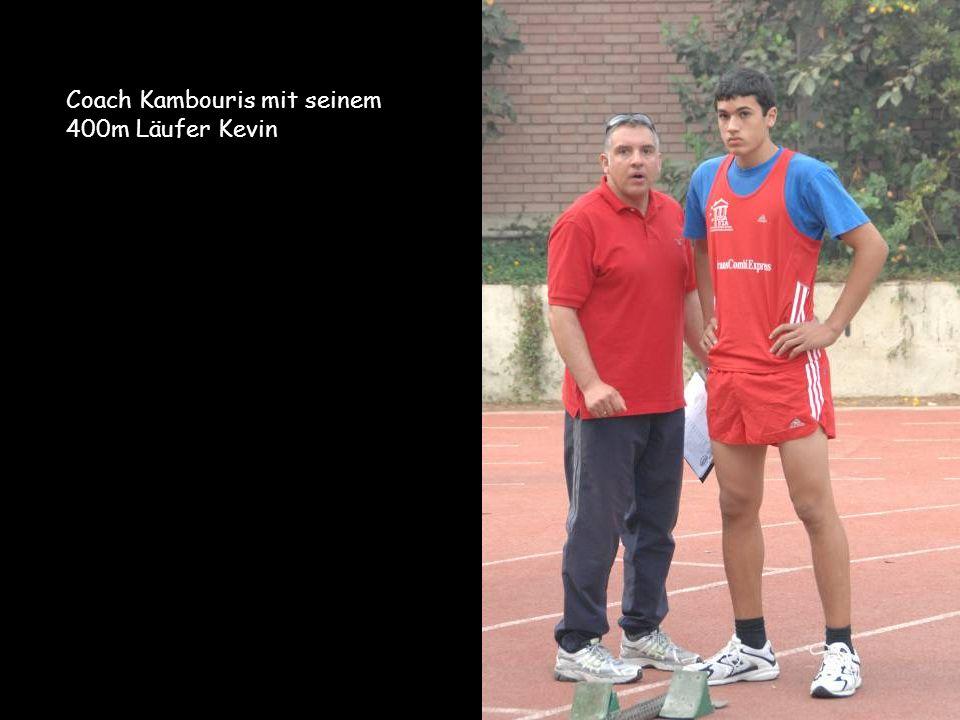 Coach Kambouris mit seinem 400m Läufer Kevin
