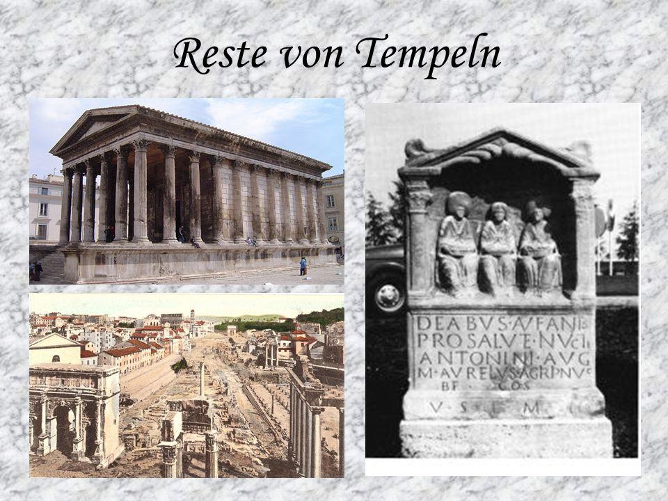 Reste von Tempeln
