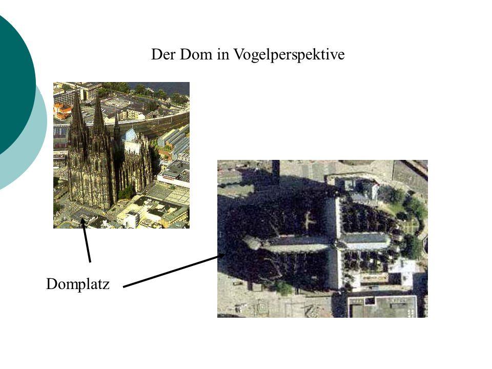 Der Dom in Vogelperspektive Domplatz