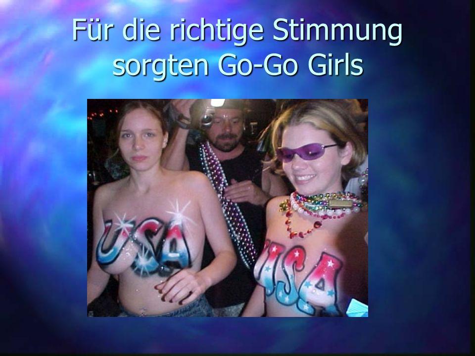 Für die richtige Stimmung sorgten Go-Go Girls