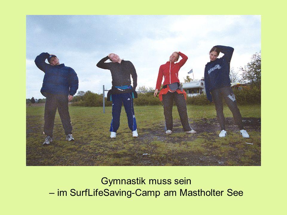 Gymnastik muss sein – im SurfLifeSaving-Camp am Mastholter See