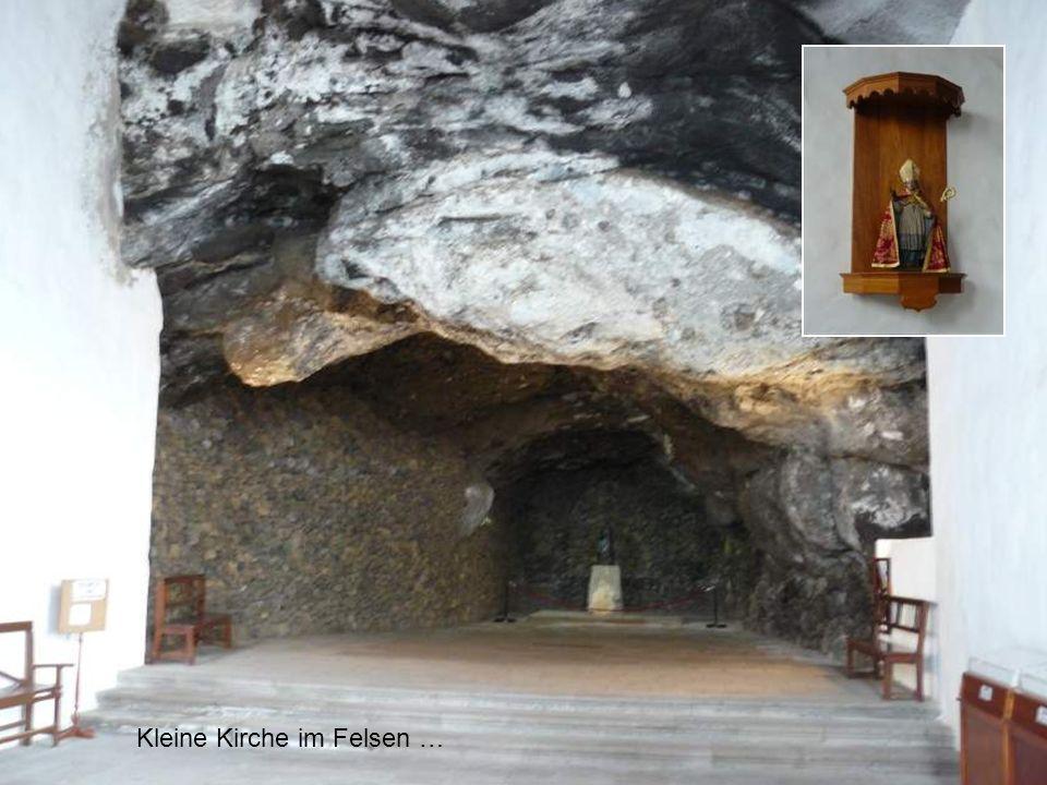 Kleine Kirche im Felsen …