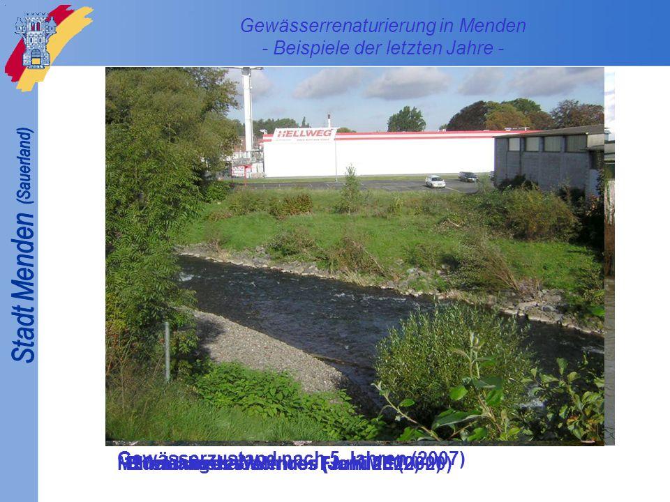 Ehemaliges Wehr der Fa. KME (2000) Rückbau des Wehres (Januar 2002) Maßnahmenabschluss (Juni 2002) Gewässerzustand nach 5 Jahren (2007)