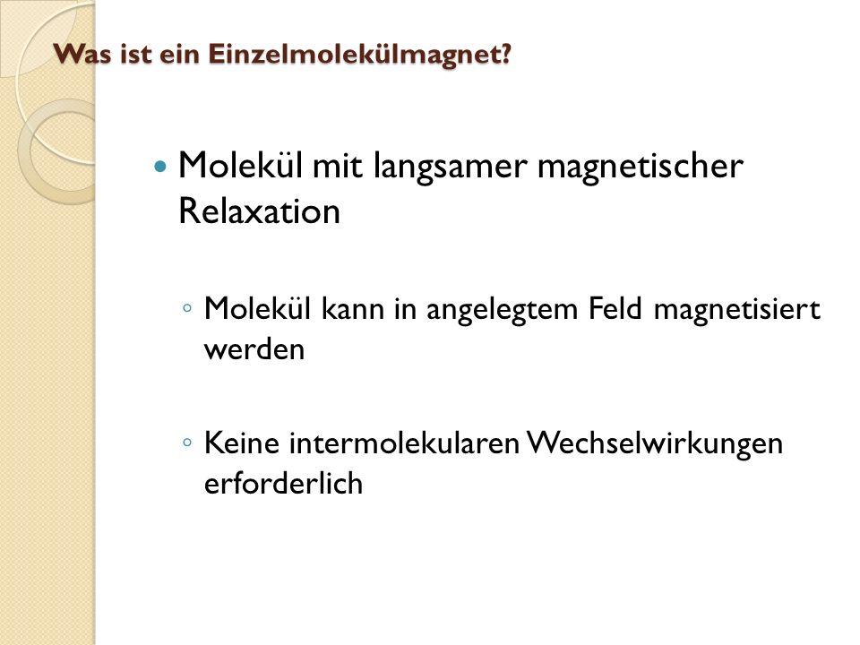 Bei bestimmten Feldern Stufenweise Relaxation der Magnetisierung Wie entsteht die charakteristische Hysteresekurve?