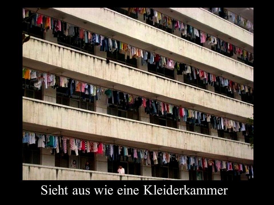 verteilt durch www.funmail2u.dewww.funmail2u.de Sieht aus wie eine Kleiderkammer