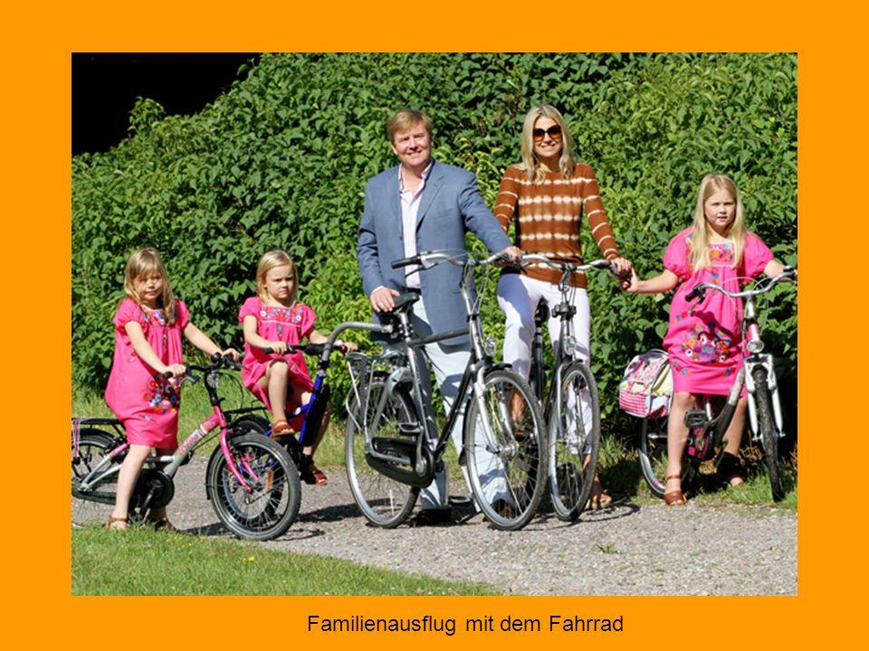 Der niederländische Thronfolger Prinz Willem mit seiner temperamentvollen Frau, Prinzessin Máxima, und ihren gemeinsamen Töchtern.