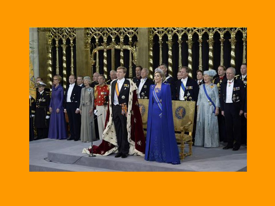 Die Garde bewacht die Plätze von Willem und Maxima